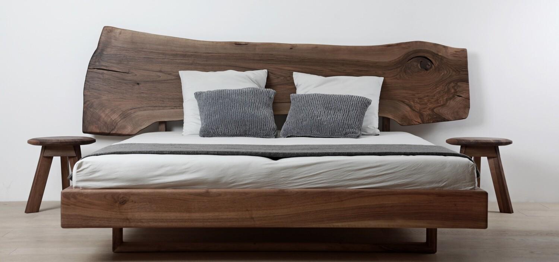 Design Bett SABINE aus Massivholz