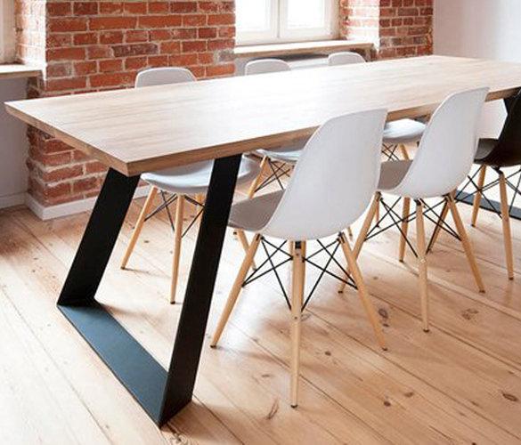 Design Esstisch SARAH aus Massivholz