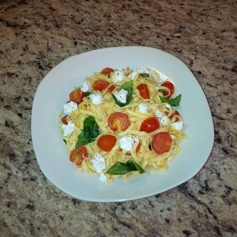 Tomato, Basil & Ricotta Linguine