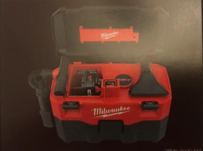Milwaukee M18 Heavy duty 7.5L wet / dry vacuum