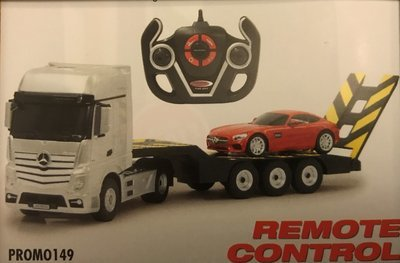 Mercedes Benz Actros with Mercedes GT both Remote control