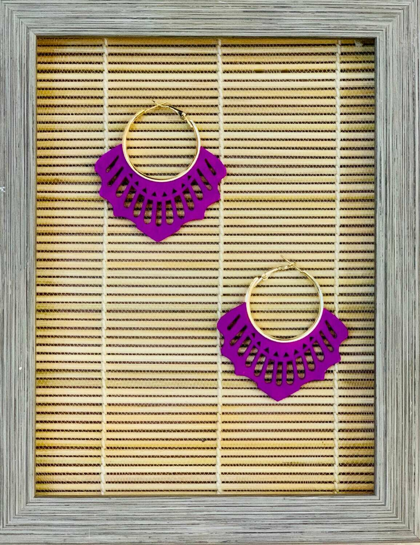 "Pendientes de maderita ""PEINETA"" violeta"