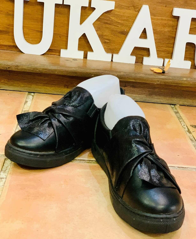 Zapatillas con lazo negras (NUEVO)