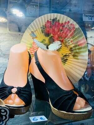 Sandalia de cuña talla 40