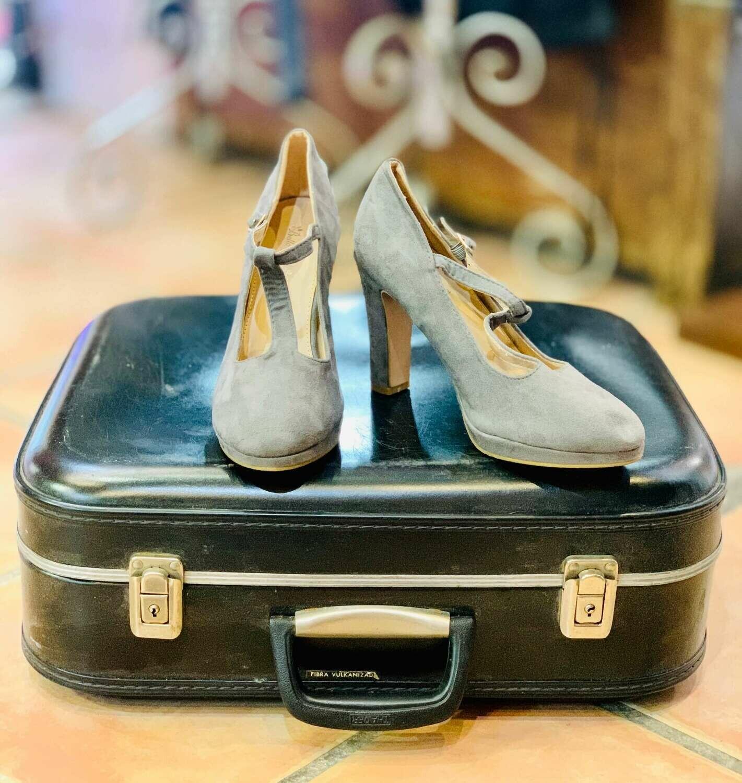 Zapatos de tacón con correa (NUEVO) Talla 40