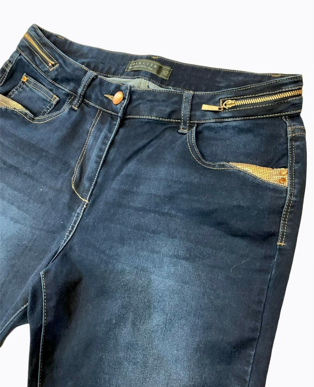 Pantalón vaquero con detalles dorados T42