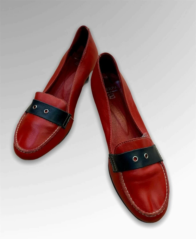 """Zapatos de tacón bajo de piel """"CAERPA"""" T37"""