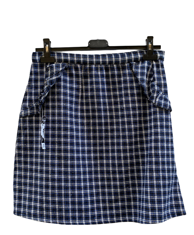 Falda de invierno de cuadros con volantitos  **R**
