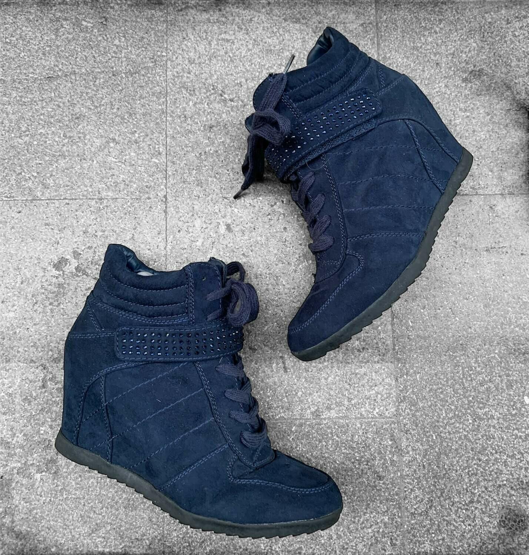Zapatillas con tacón interior T39