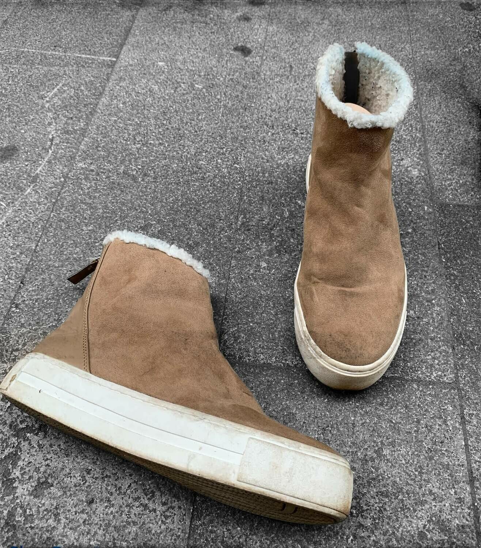 Zapatillas con borreguito y plataforma T39