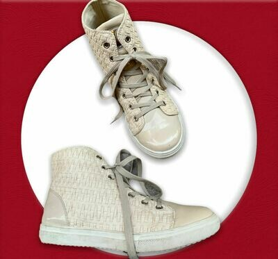 *HOY* Zapatillas botitas beige T39