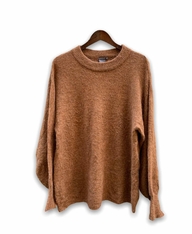 Sweater abrigado con mangas súper anchas