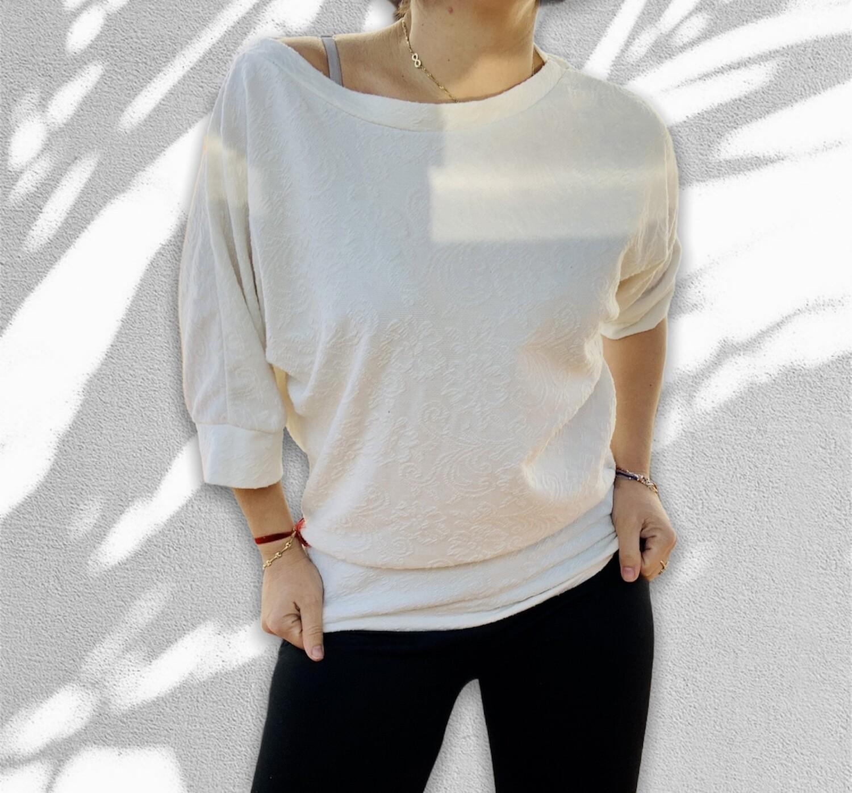 Camiseta corte mariposa con lacitos en la espalda