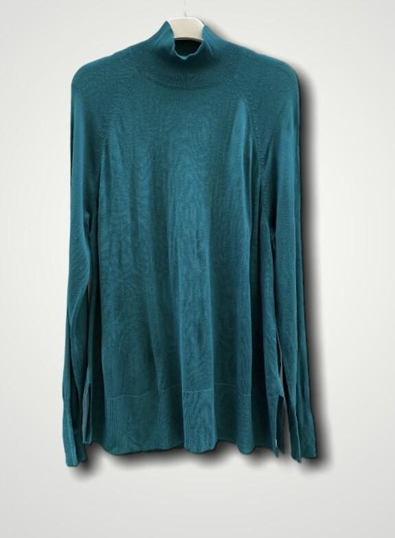 Sweater finito de cuello alto básico **R**