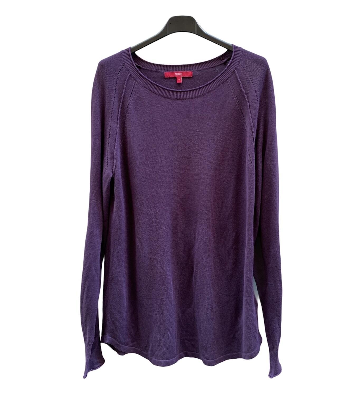 Sweater finito con detalle de brillo en el cuello