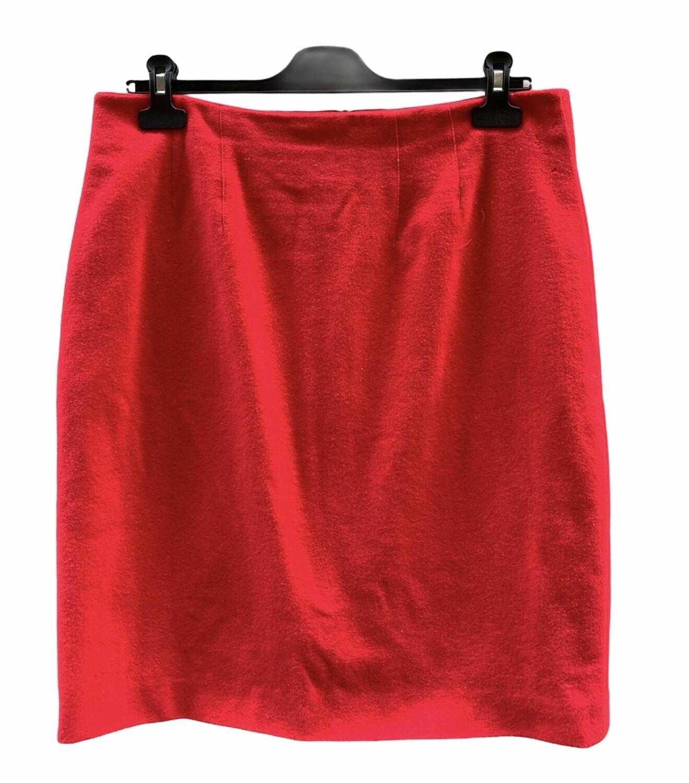 Falda de paño a la rodilla
