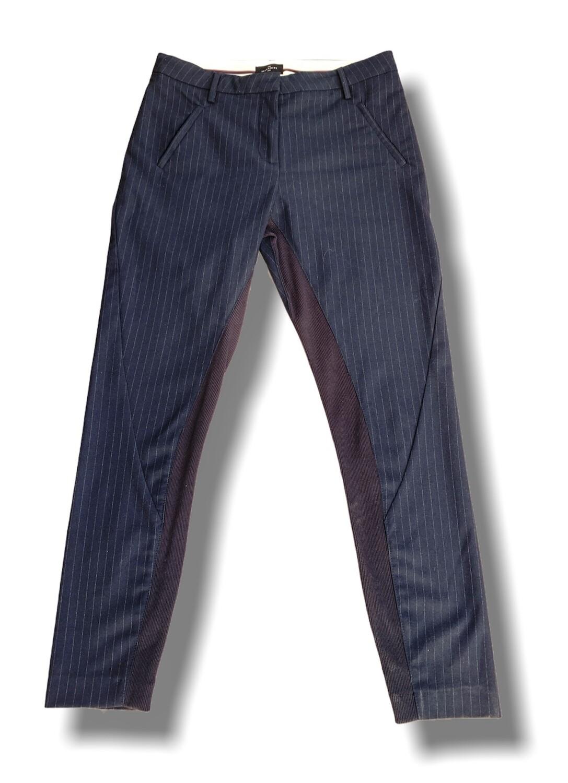Pantalón de vestir con detalle de elástico en las piernas