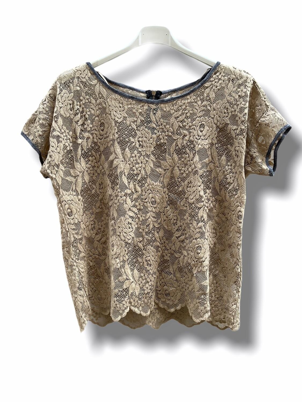 Camiseta de manga corta de encaje tostado