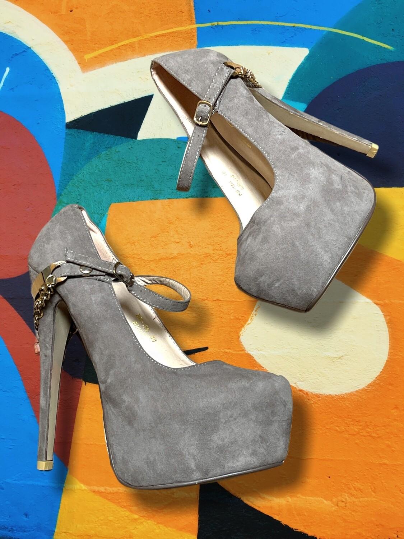 Zapatos de tacón con cadenitas T39