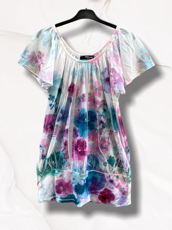 Camiseta fruncida de flores