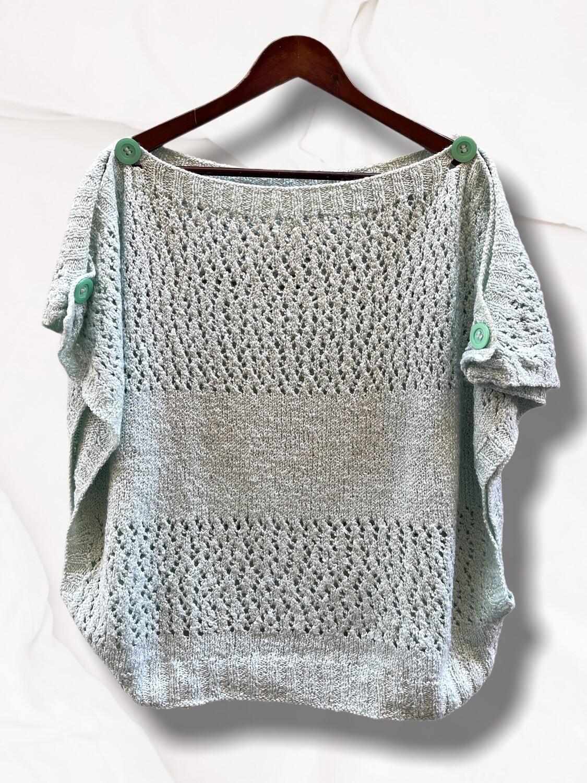 Sweater tipo poncho con botones (TG)