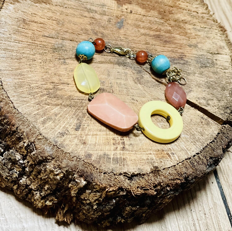 Pulsera de piedras colorines