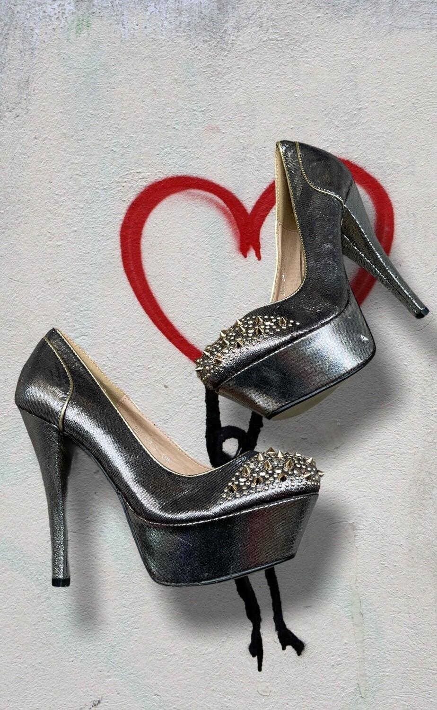 PASSION COLLECTION - Zapatos de tacón con plataforma y tachas T38