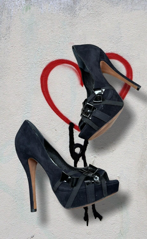 """PASSION COLLECTION - Zapatos de tacón con plataforma y lacitos de charol """"BUFFALO LONDON"""" T40"""