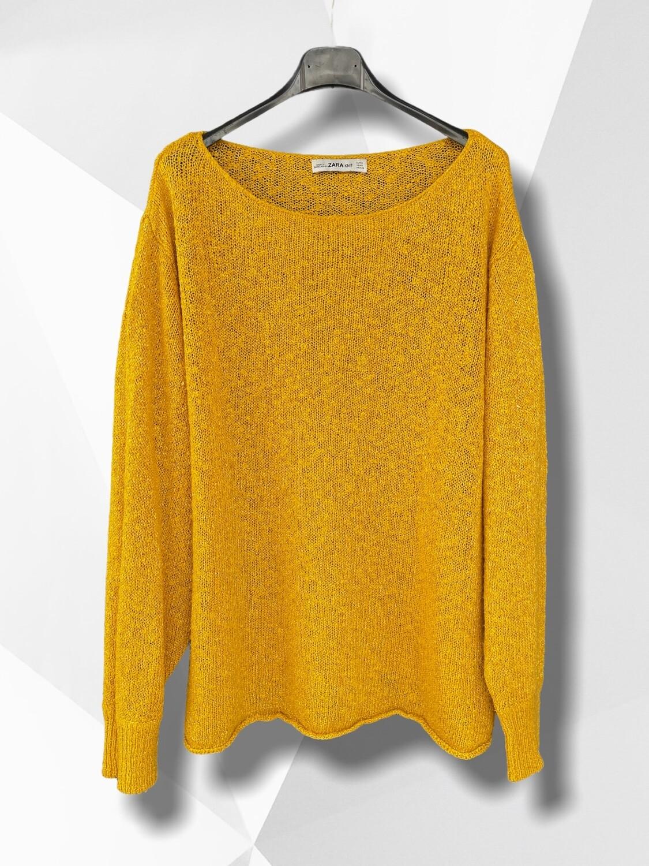 Sweater de hilo finito ancho mostaza