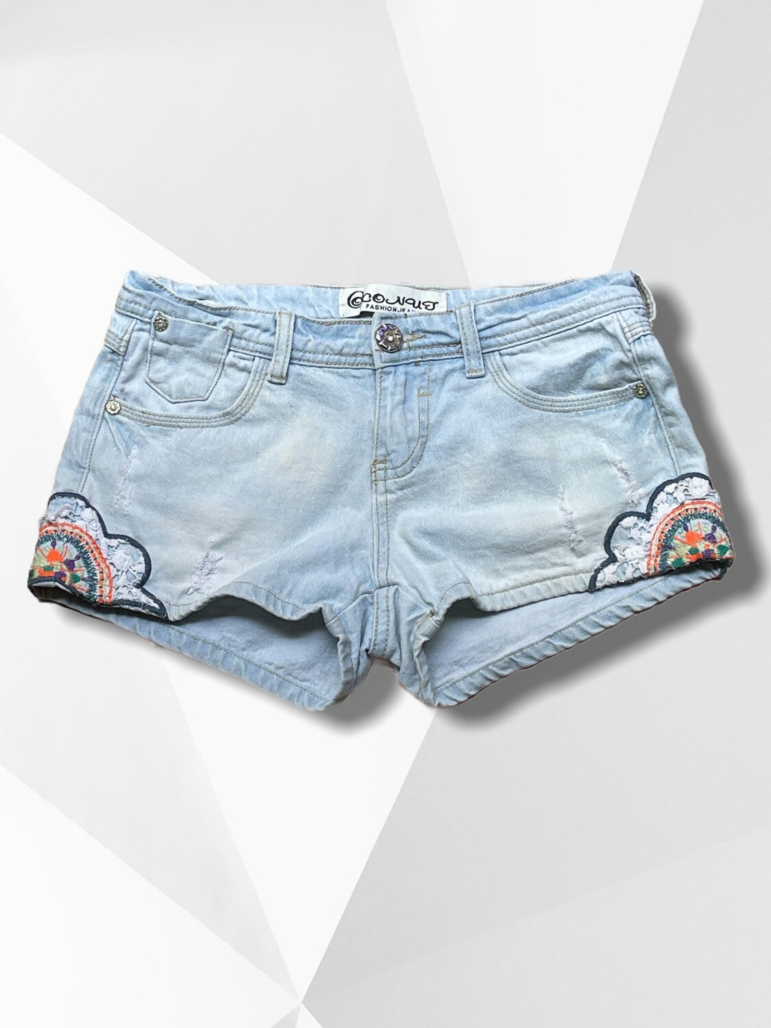 *NEW* Short vaquero con encaje y bordados T34