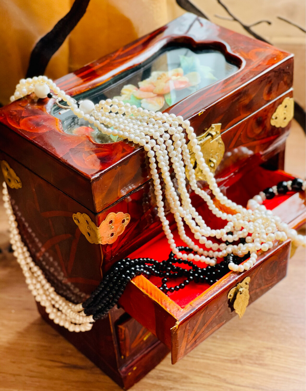 Collar de perlitas B&W