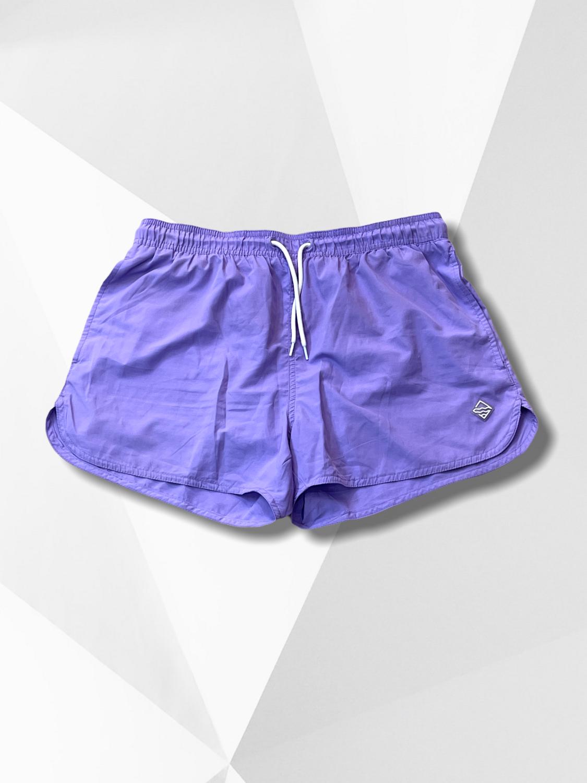 Short deportivo lila