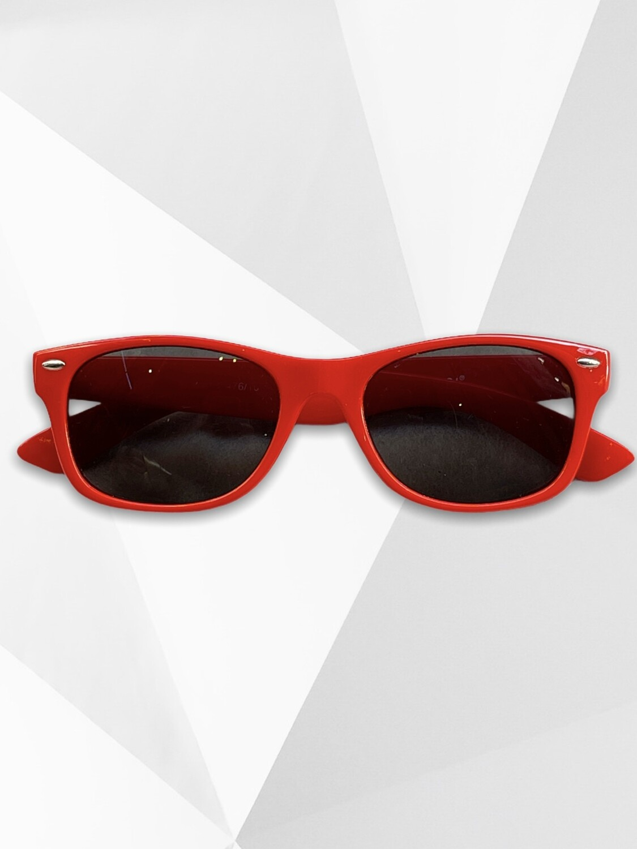 Gafas de sol modelo wayfarer rojas