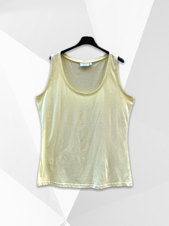 *NEW* Camiseta sin mangás básica (TG)