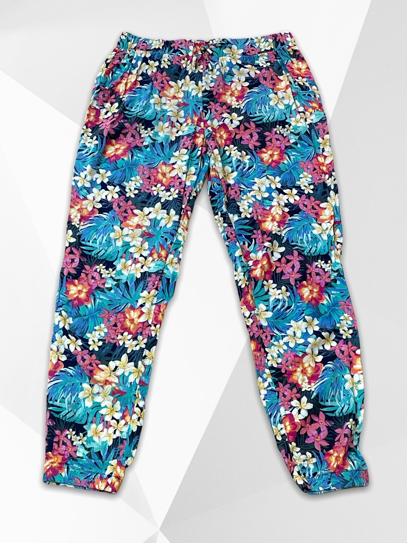 *NEW* Pantalón sueltito floreado T40