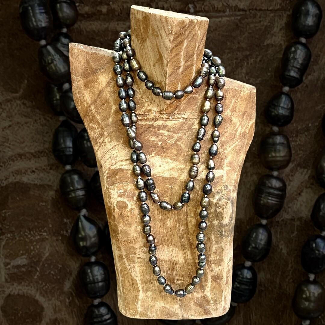 *HOY* Collar largo de perlas de río