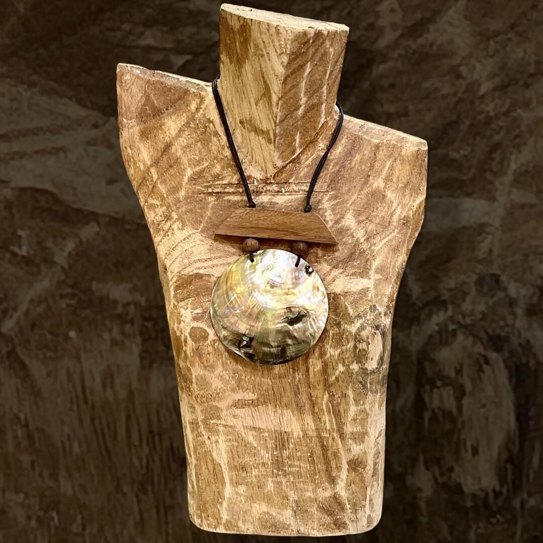 *NEW* Collar de madera y concha