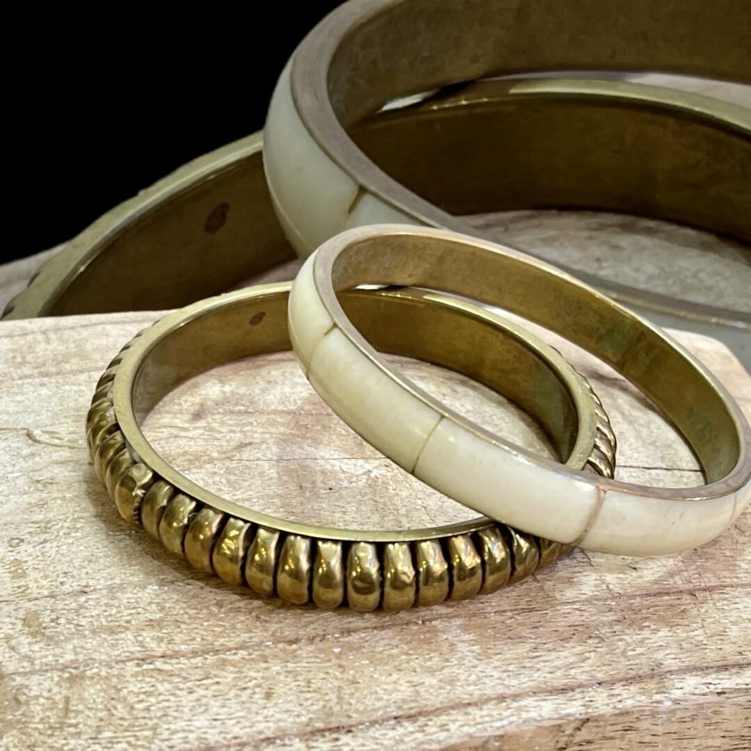 Set de pulsera de bronce y hueso