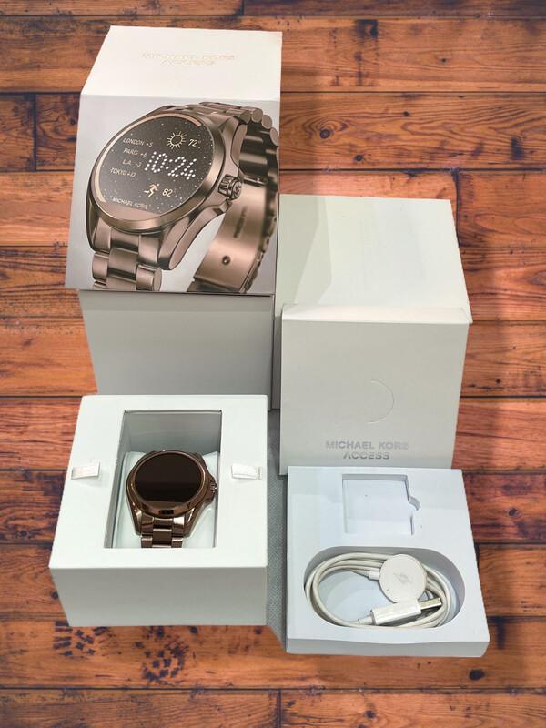 **Smartwatch Michael Kors con Correa en Acero Inoxidable MKT5007