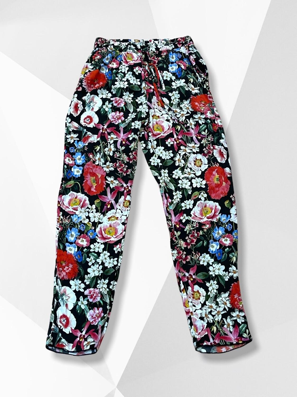 Pantalón sueltito de flores ZARA Talla S