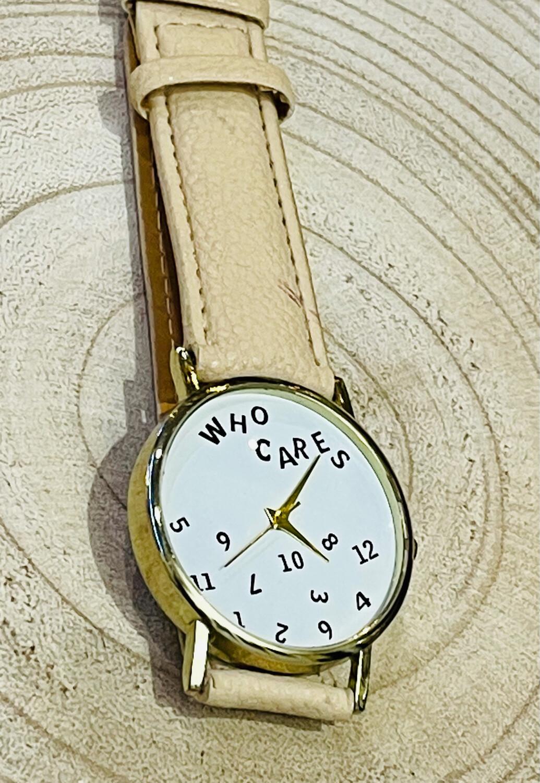 """Reloj """"WHO CARES"""""""