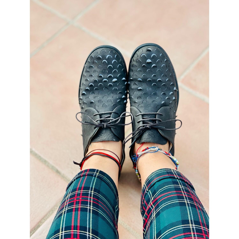 Zapatos de piel simulando escamas CAMPER T40