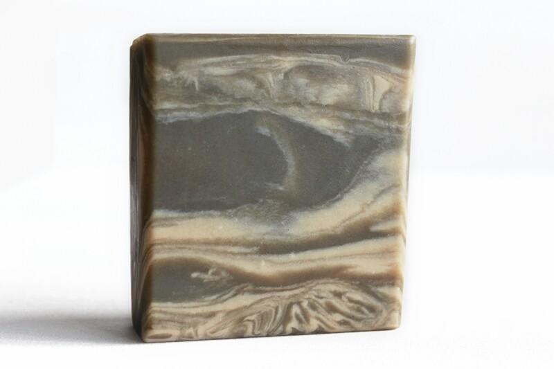 CECIL'S STUDY tobacco vanilla bay soap