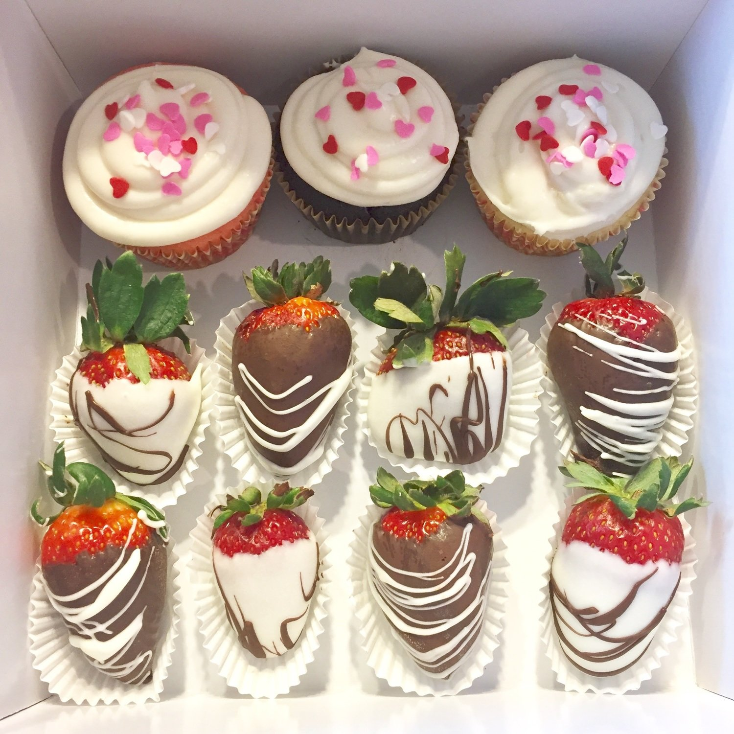 8 Gourmet Chocolate Covered Strawberries 3 Strawberry Mousse Filled Cupcake Combo In A Valentine Box