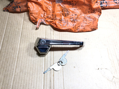 Alfetta Saloon First series Outer Door Handle With Keys, Right Side front Door