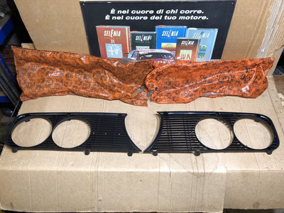2000 Berlina Pair Of Front Grilles New Old Stock