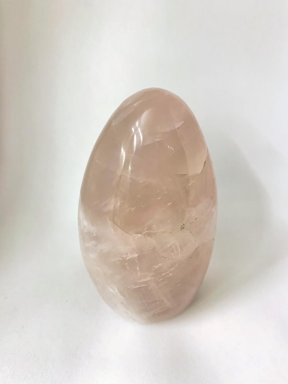 Menhir en quartz rose