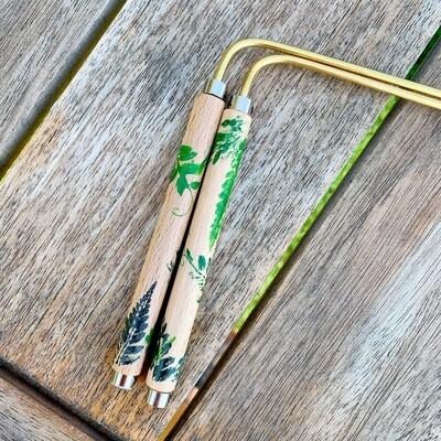 «La forêt magique» baguette de sourcier créées par Mathilda Bays. Pièce unique.