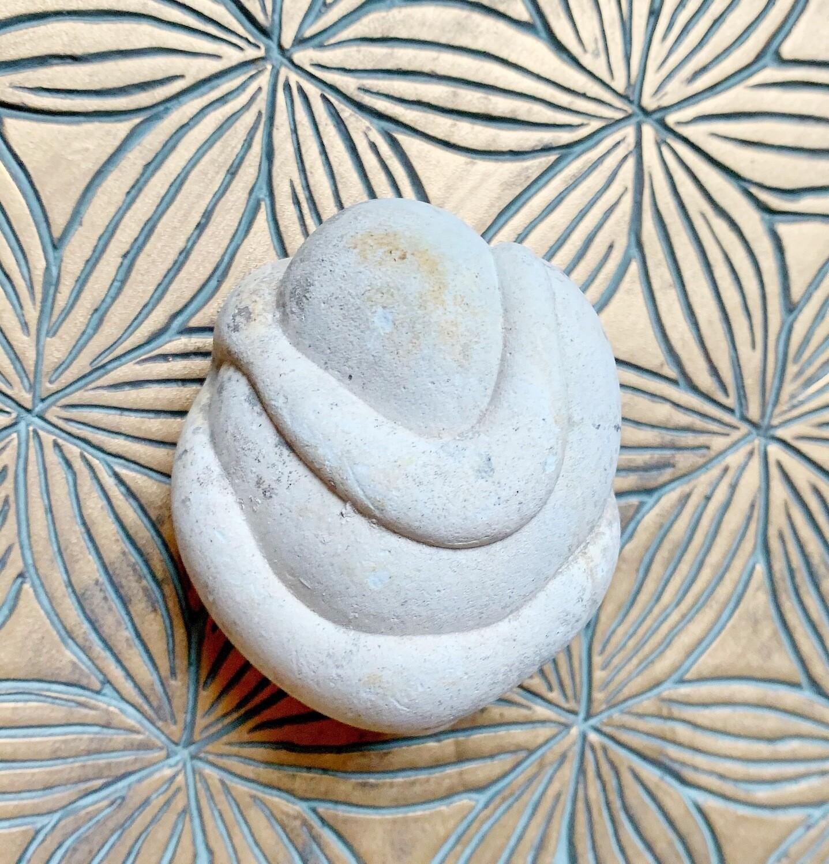«Fruit du désert»  Menalite, pierre des fées du Maroc