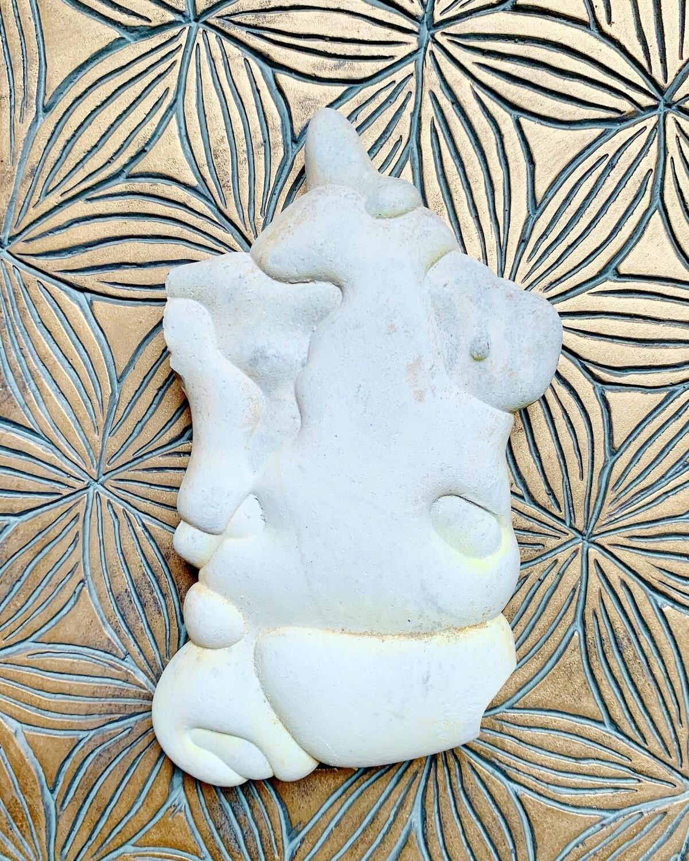 «Licorne» Menalite, pierre de la Déesse